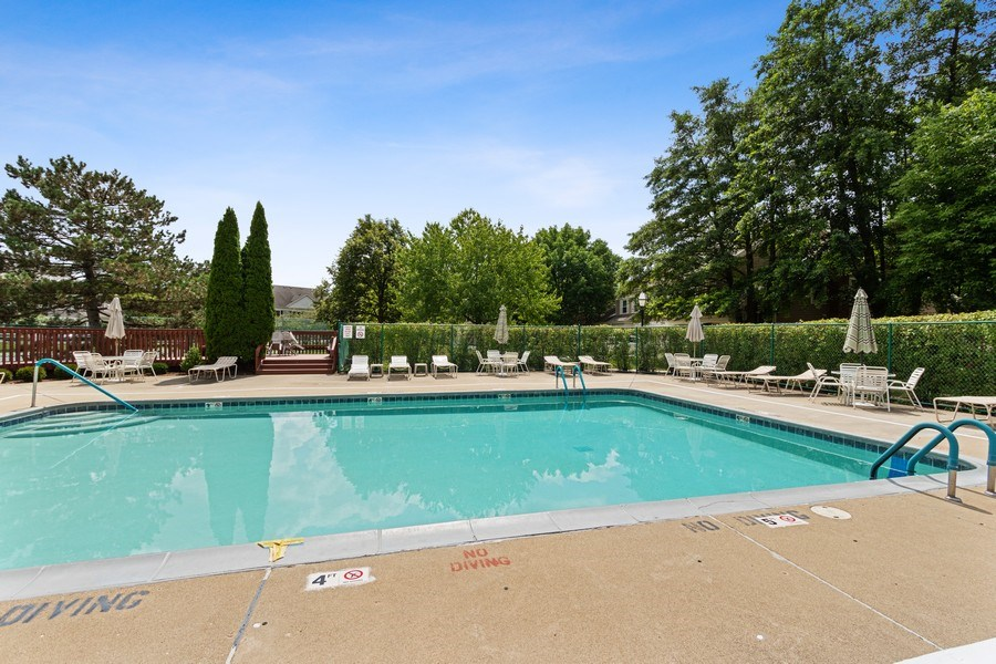 Real Estate Photography - 2250 Charter Point, Arlington Heights, IL, 60004 - Pool