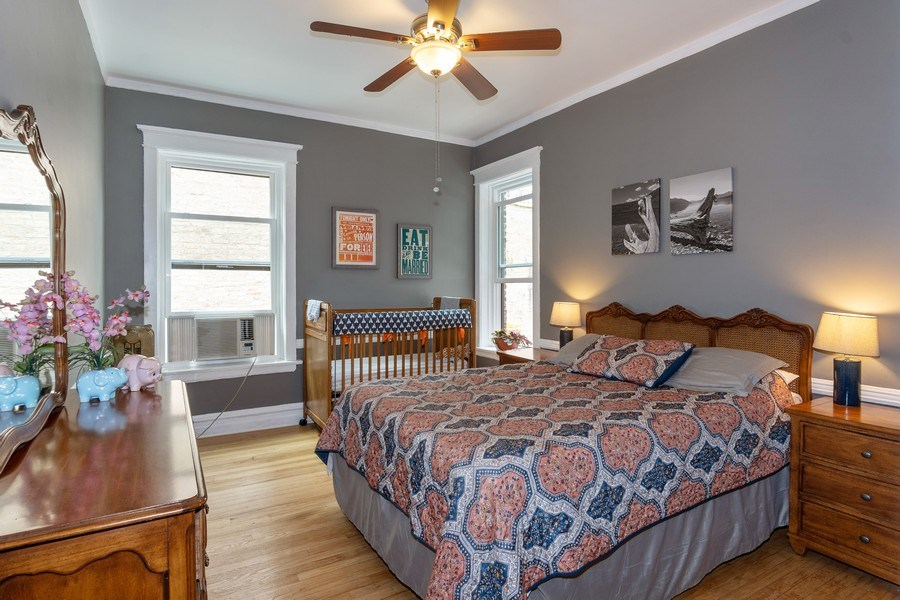 Real Estate Photography - 932 W Margate Ter, Unit 3W, Chicago, IL, 60640 - 2nd Bedroom