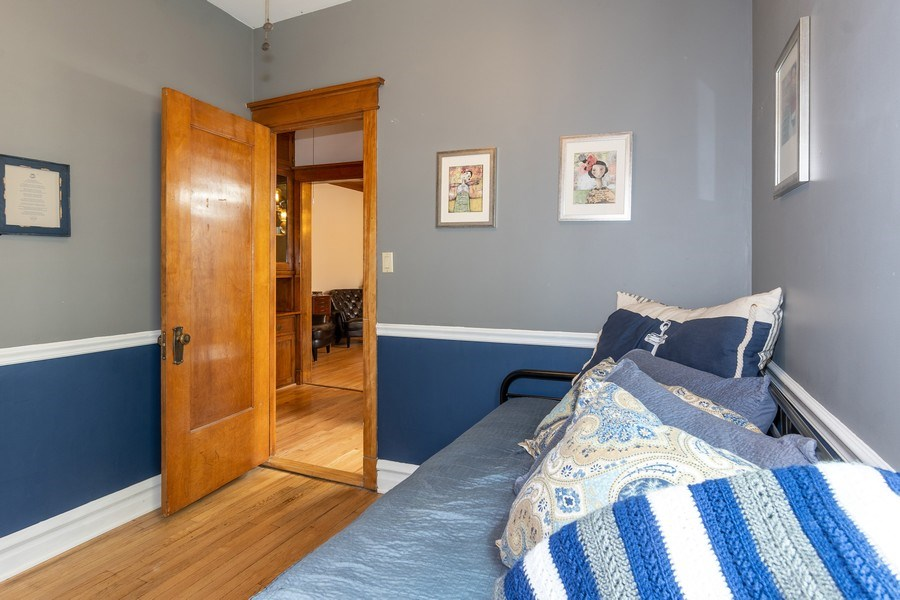 Real Estate Photography - 932 W Margate Ter, Unit 3W, Chicago, IL, 60640 - 3rd Bedroom