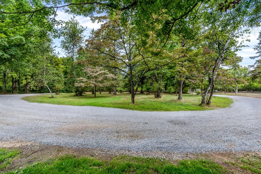 Real Estate Photography - 965 Old Albany Post Rd., Garrison, NY, 10524 - Driveway