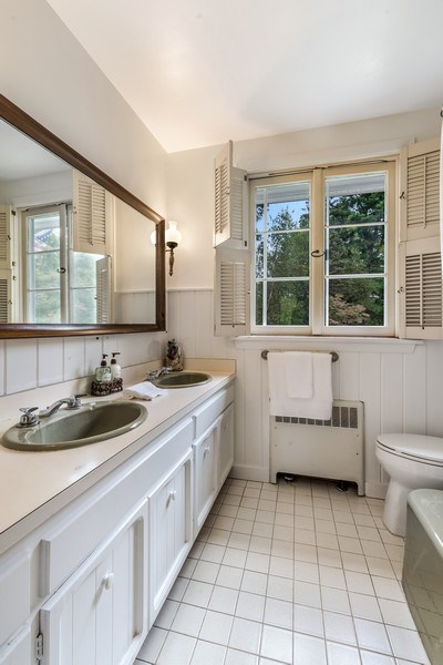 Real Estate Photography - 965 Old Albany Post Rd., Garrison, NY, 10524 - Bathroom