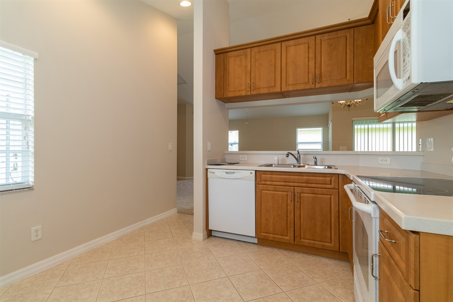 Real Estate Photography - 2233 SUMMERSWEET DR, ALVA, FL, 33920 -