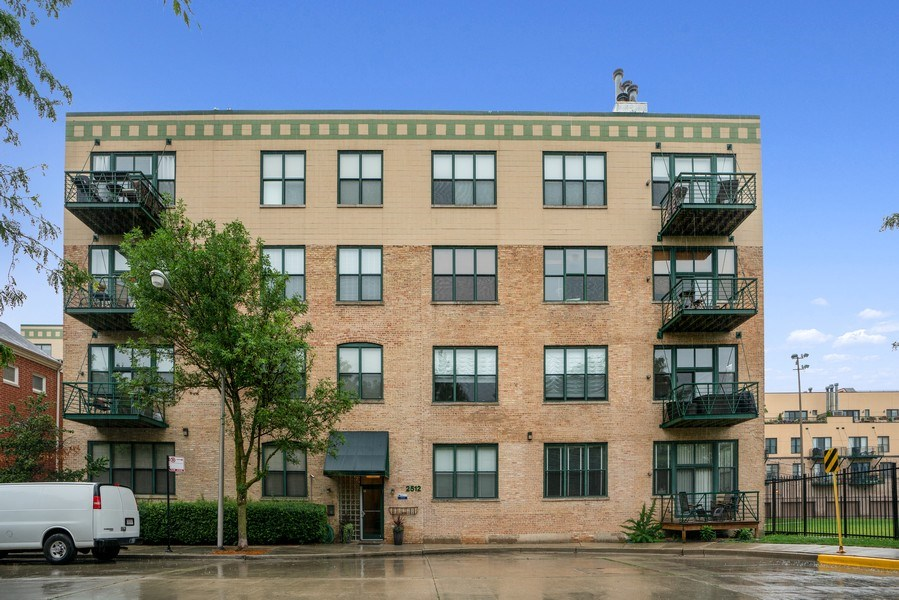 Real Estate Photography - 2512 N. Bosworth, #203, Chicago, IL, 60614 - Front View