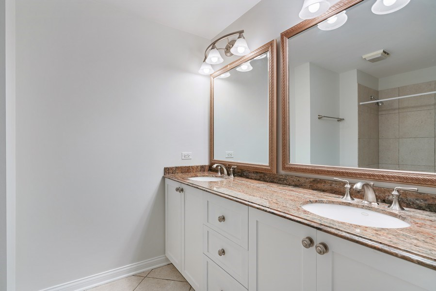 Real Estate Photography - 2512 N. Bosworth, #203, Chicago, IL, 60614 - Bathroom
