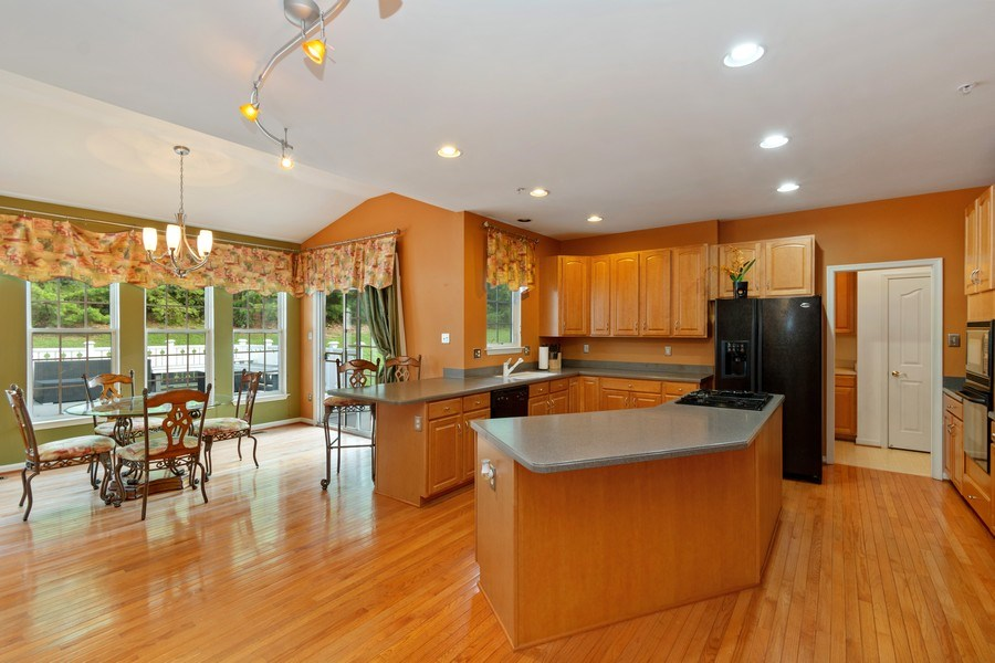 Real Estate Photography - 6602 Manton Way, Lanham, MD, 20706 - Kitchen