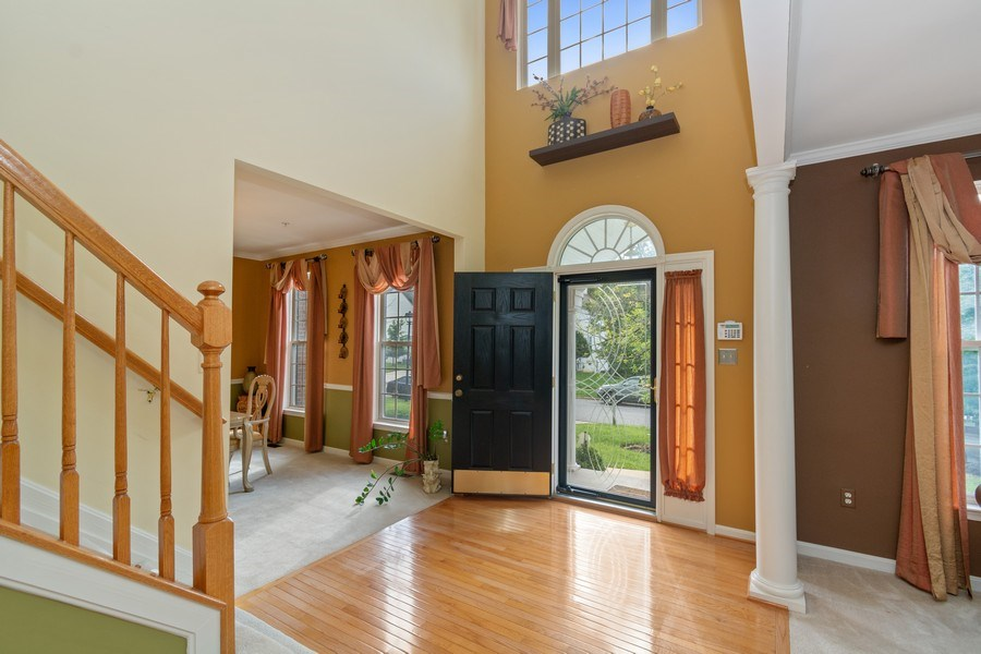 Real Estate Photography - 6602 Manton Way, Lanham, MD, 20706 - Entryway