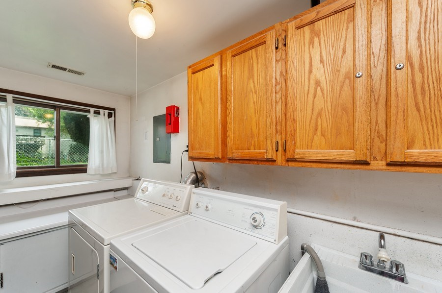 Real Estate Photography - 543 Norman Dr, Cary, IL, 60013 - Laundry Room