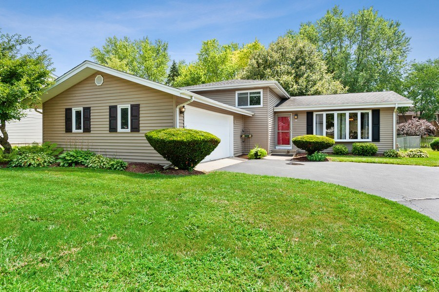 Real Estate Photography - 543 Norman Dr, Cary, IL, 60013 - Front View