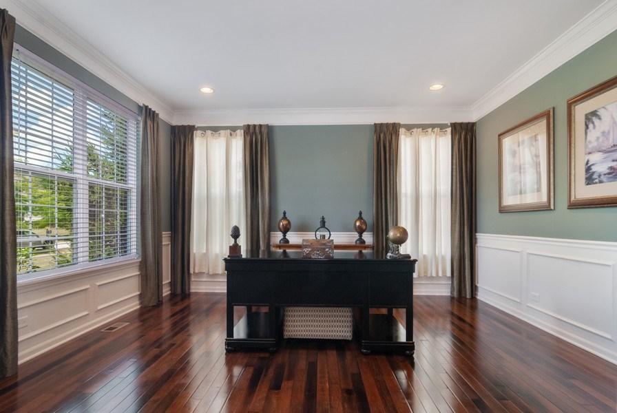 Real Estate Photography - 1225 Verona Ridge Drive, Aurora, IL, 60506 - Living Room