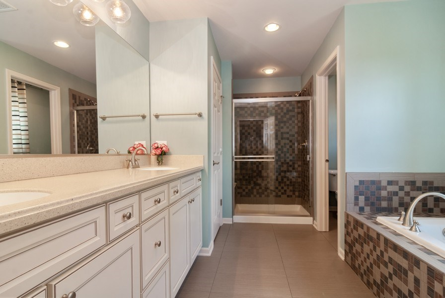 Real Estate Photography - 1225 Verona Ridge Drive, Aurora, IL, 60506 - Master Bathroom
