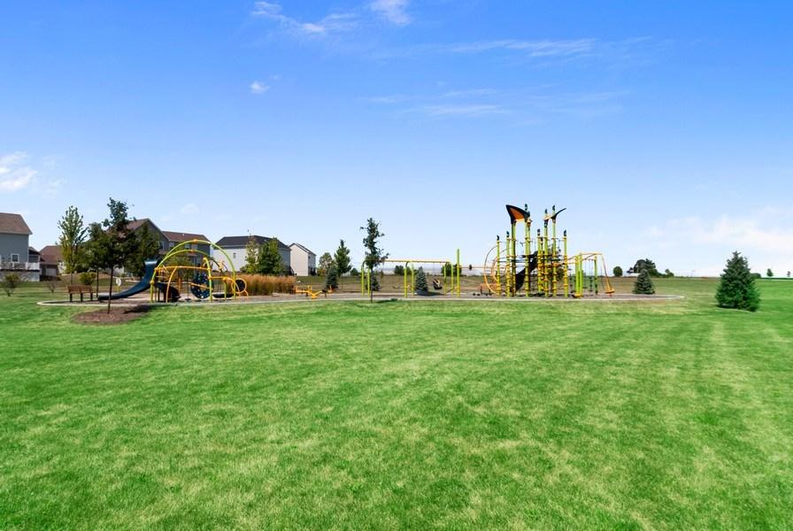 Real Estate Photography - 1225 Verona Ridge Drive, Aurora, IL, 60506 - Neighborhood Park