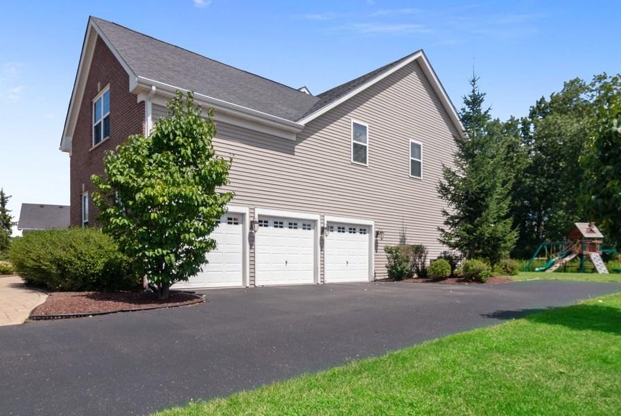 Real Estate Photography - 1225 Verona Ridge Drive, Aurora, IL, 60506 - 3 Car Garage
