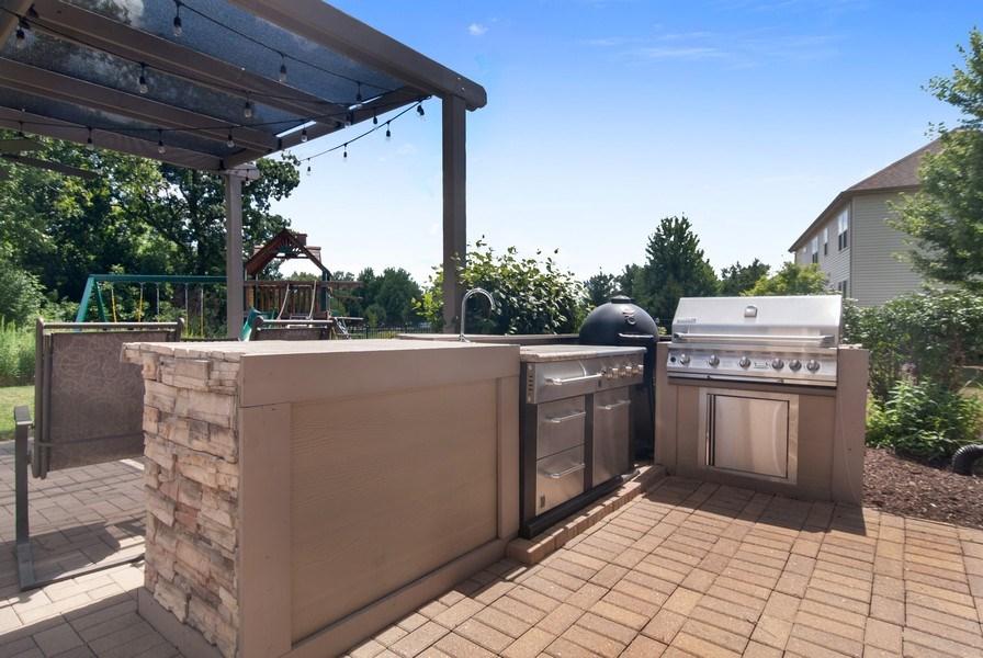 Real Estate Photography - 1225 Verona Ridge Drive, Aurora, IL, 60506 - Outdoor Kitchen