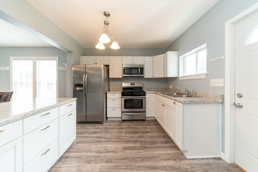 Real Estate Photography - 1139 Superior St, Aurora, IL, 60505 - Kitchen