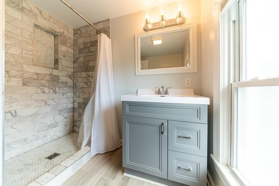 Real Estate Photography - 1139 Superior St, Aurora, IL, 60505 - 2nd Bathroom