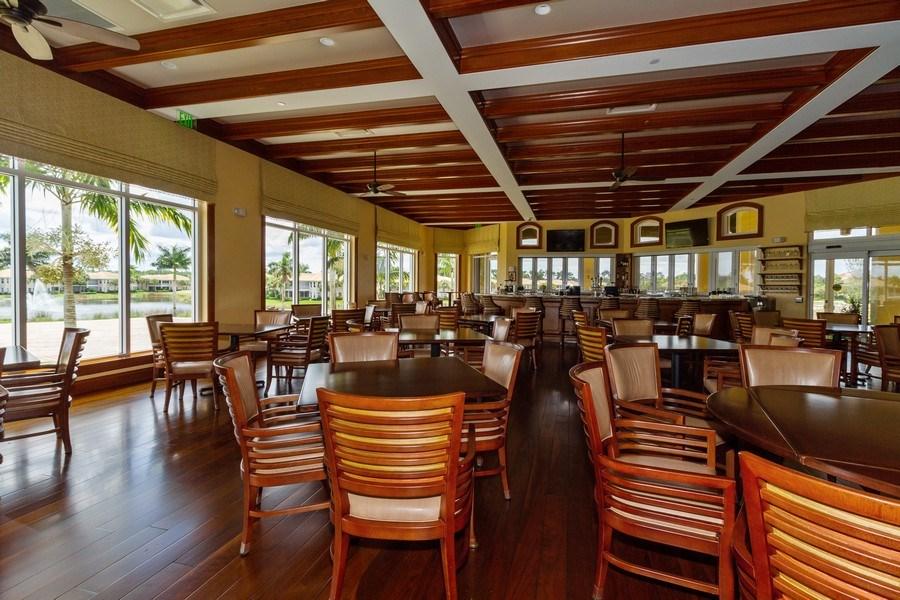 Real Estate Photography - 5075 Castlerock Way, Naples, FL, 34112 - Restaurant