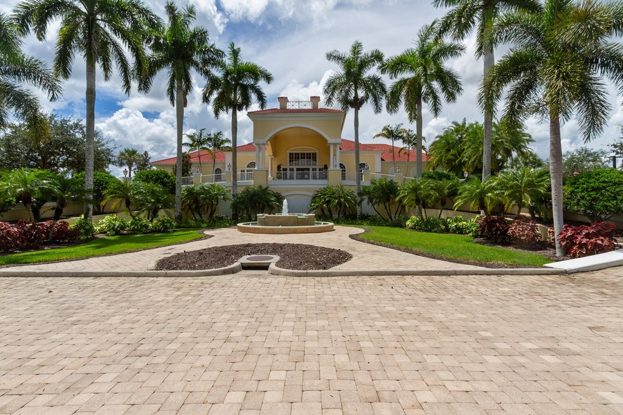 Real Estate Photography - 5075 Castlerock Way, Naples, FL, 34112 - Clubhouse