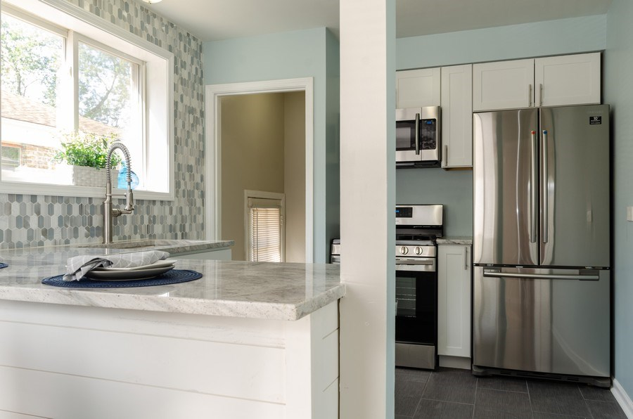 Real Estate Photography - 12740 s May st, Calumet park, IL, 60827 - Kitchen