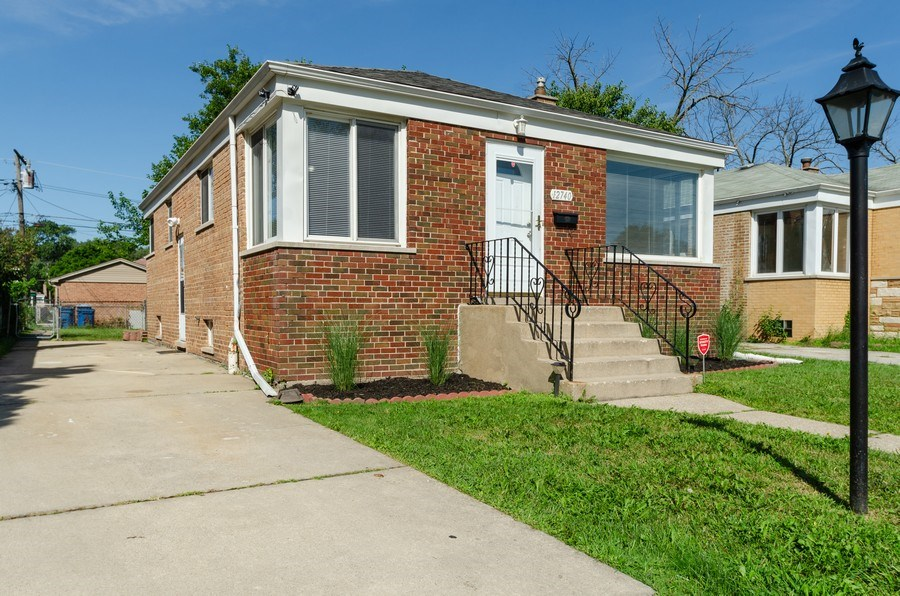 Real Estate Photography - 12740 s May st, Calumet park, IL, 60827 - Front View