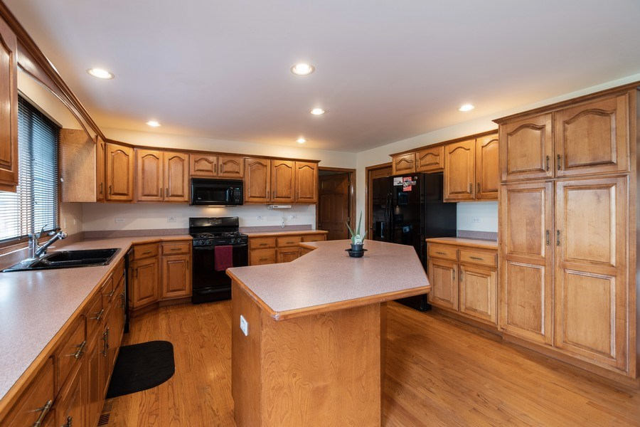 Real Estate Photography - 21212 Georgetown Road, Frankfort, IL, 60423 - Kitchen