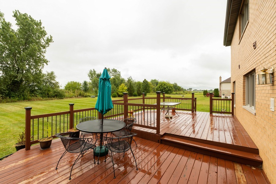Real Estate Photography - 21212 Georgetown Road, Frankfort, IL, 60423 - Deck