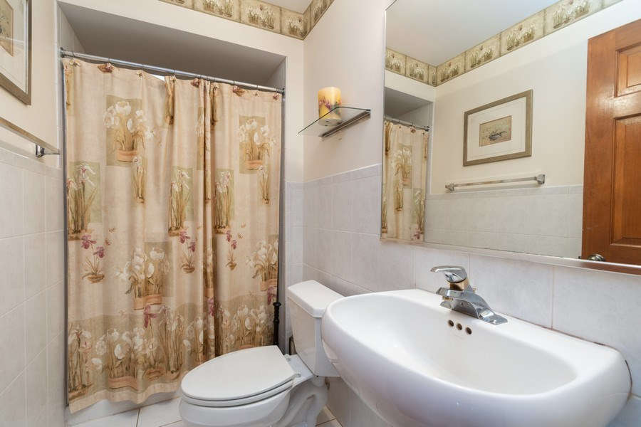 Real Estate Photography - 21212 Georgetown Road, Frankfort, IL, 60423 - Bathroom