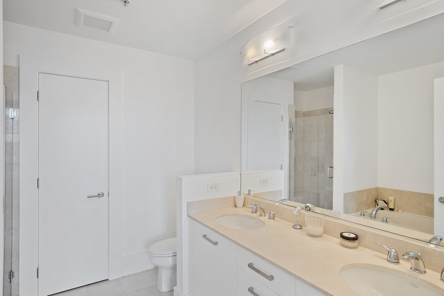 Real Estate Photography - 500 w superior, #1609, chicago, IL, 60654 - Master Bathroom