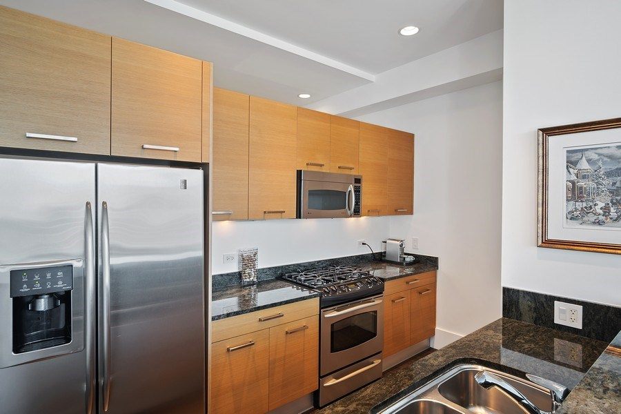 Real Estate Photography - 500 w superior, #1609, chicago, IL, 60654 - Kitchen
