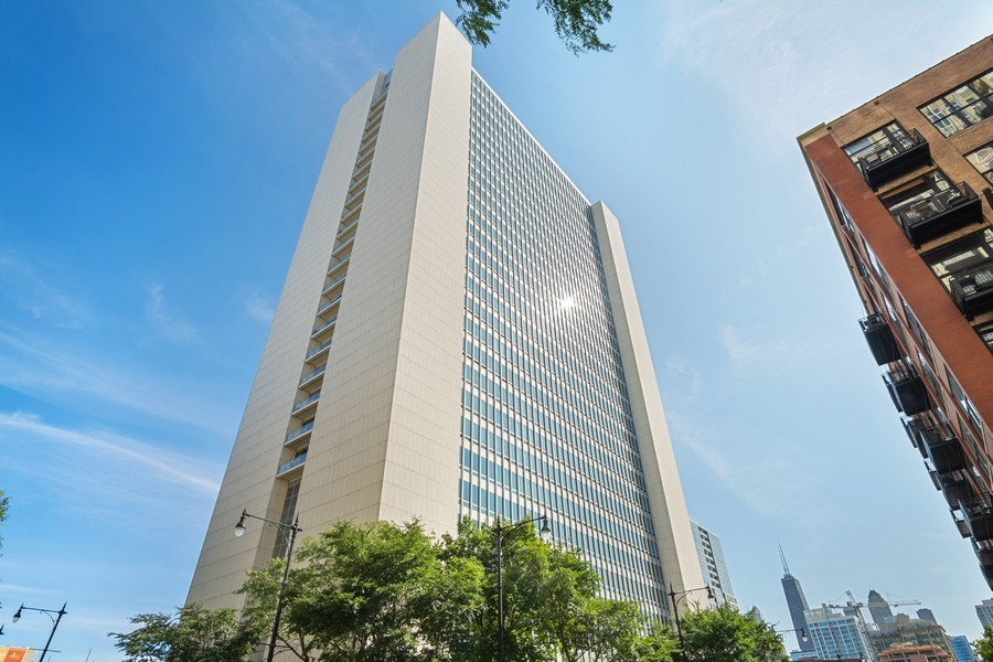 Real Estate Photography - 500 w superior, #1609, chicago, IL, 60654 - Front View