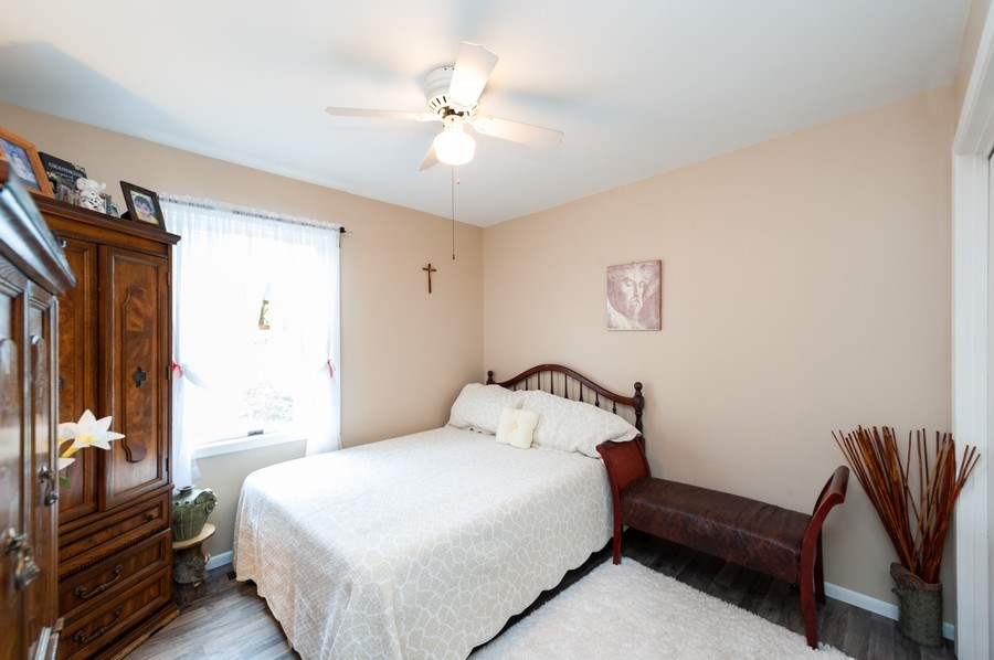 Real Estate Photography - 2612 Crystal Lake Ave, Cary, IL, 60013 - 2nd Bedroom
