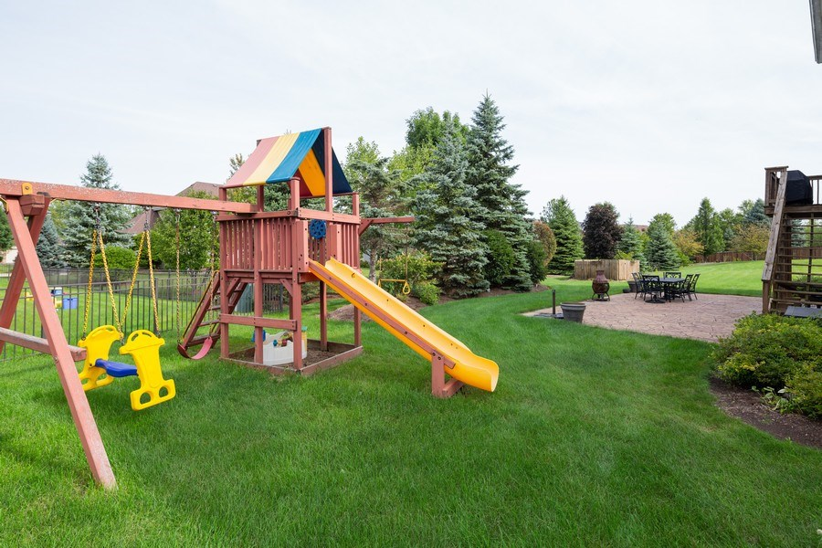 Real Estate Photography - 1500 Gander Ct, Crystal Lake, IL, 60014 - Back Yard