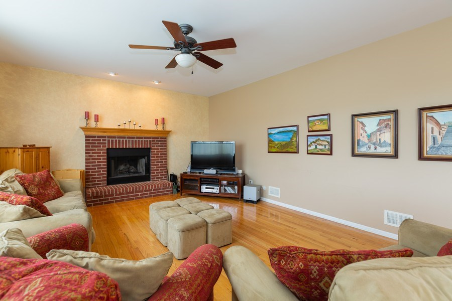 Real Estate Photography - 1500 Gander Ct, Crystal Lake, IL, 60014 - Family Room