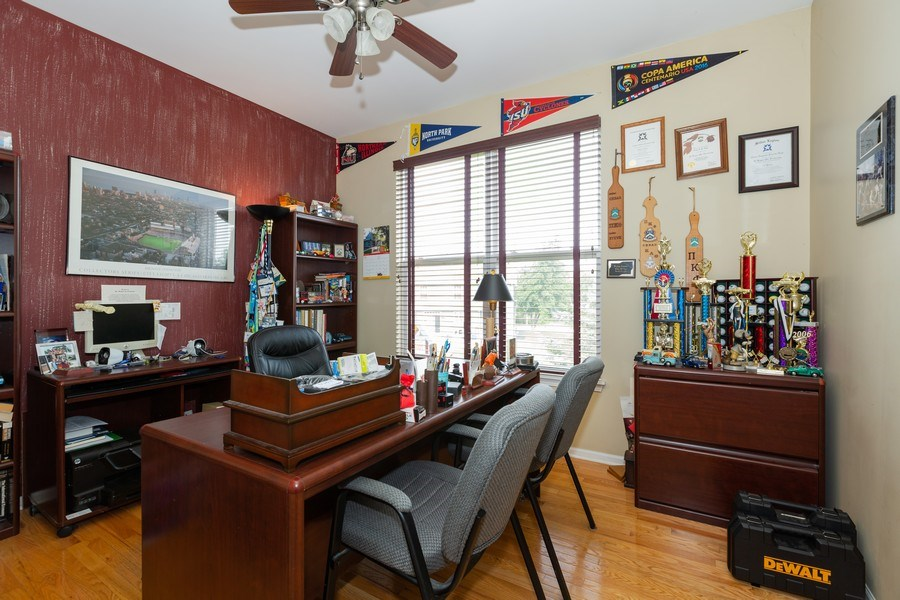 Real Estate Photography - 1500 Gander Ct, Crystal Lake, IL, 60014 - Office