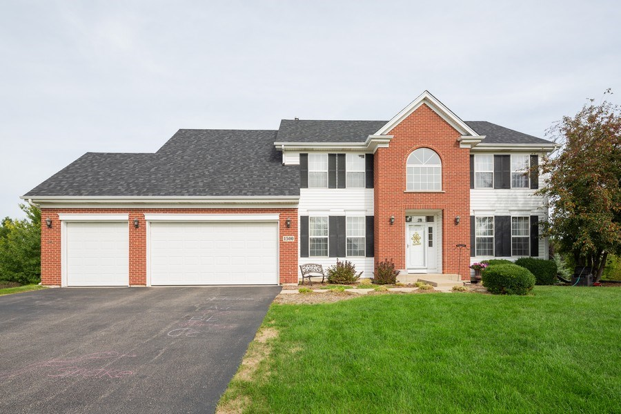 Real Estate Photography - 1500 Gander Ct, Crystal Lake, IL, 60014 - Front View