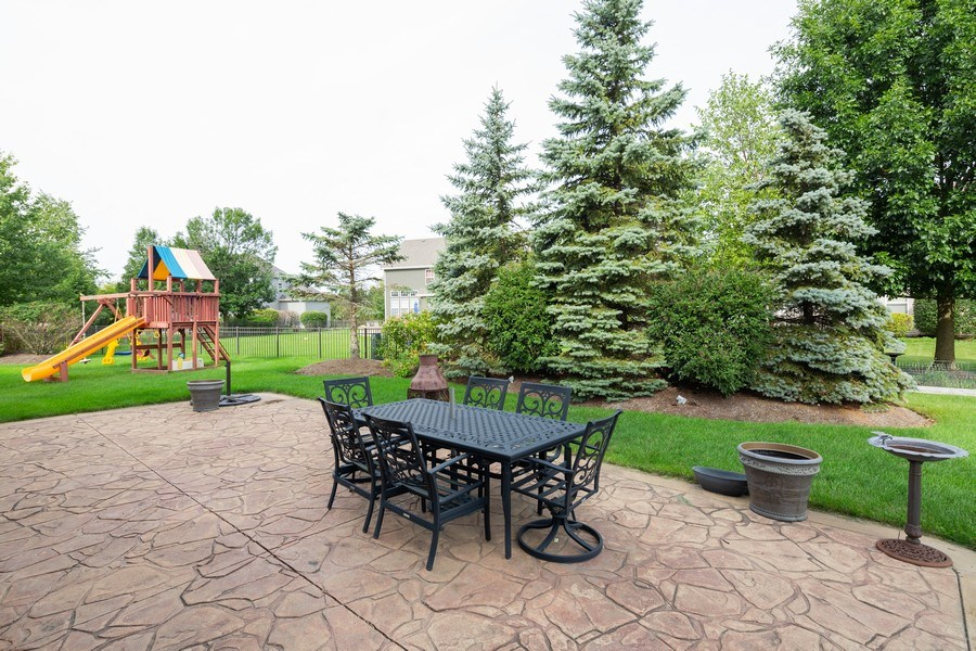 Real Estate Photography - 1500 Gander Ct, Crystal Lake, IL, 60014 - Porch