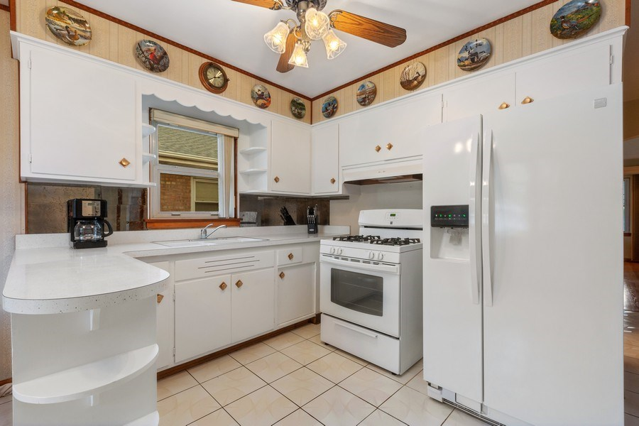 Real Estate Photography - 4303 Maple Ave, Stickney, IL, 60402 - Kitchen