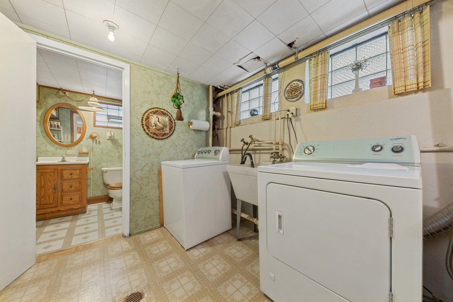Real Estate Photography - 4303 Maple Ave, Stickney, IL, 60402 - Laundry Room