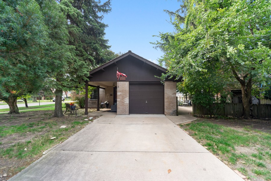 Real Estate Photography - 2800 Forest Ave, River Grove, IL, 60171 - Garage
