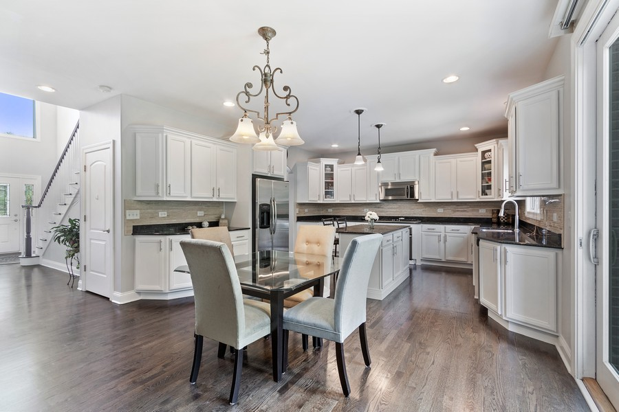 Real Estate Photography - 702 N.Morrision, Palatine, IL, 60067 - Kitchen / Breakfast Room