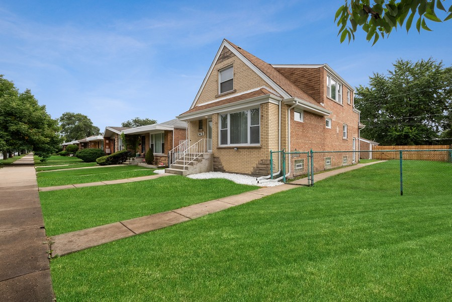 Real Estate Photography - 9043 Jeffery, Chicago, IL, 60617 - Side View