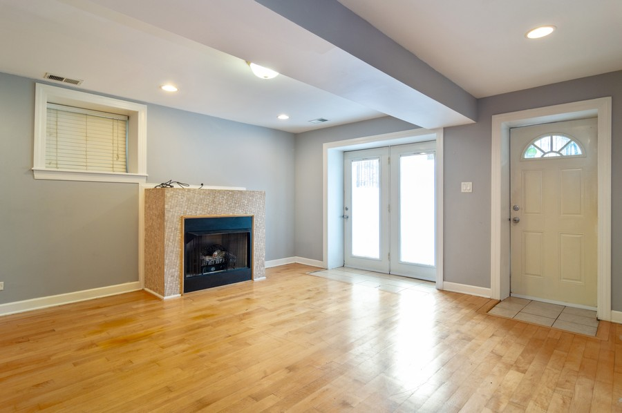 Real Estate Photography - 2443 W Harrison, unit A, Chicago, IL, 60612 - Living Room