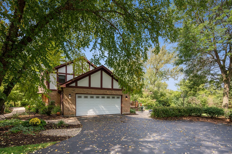 Real Estate Photography - 7350 Great Hill Rd, Crystal Lake, IL, 60012 - Garage