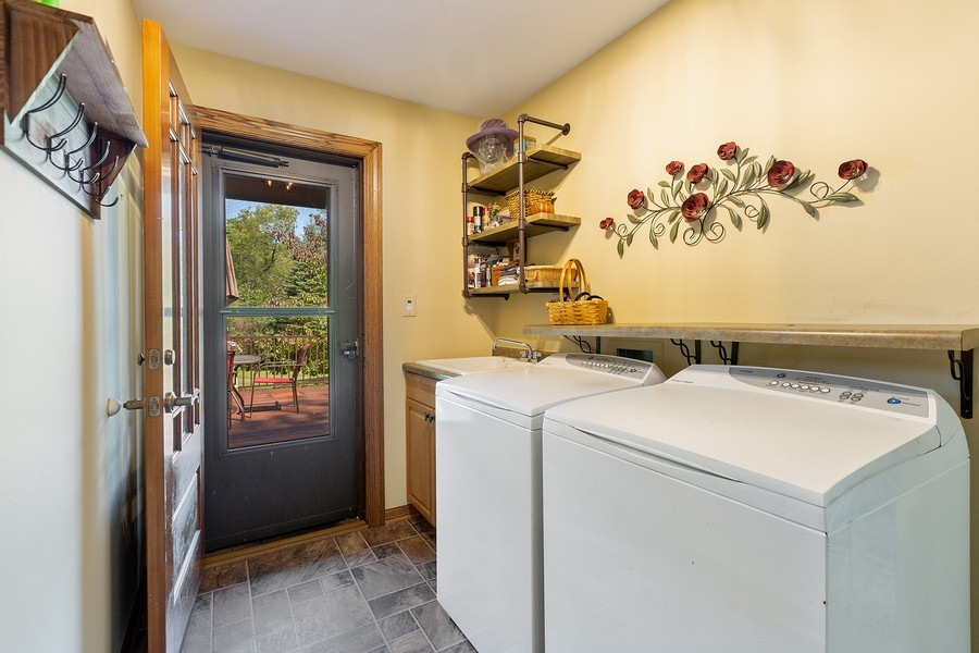 Real Estate Photography - 7350 Great Hill Rd, Crystal Lake, IL, 60012 - Laundry Room