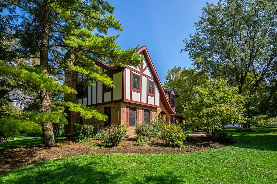 Real Estate Photography - 7350 Great Hill Rd, Crystal Lake, IL, 60012 - Side View