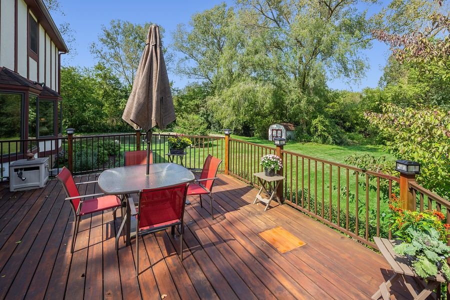 Real Estate Photography - 7350 Great Hill Rd, Crystal Lake, IL, 60012 - Deck
