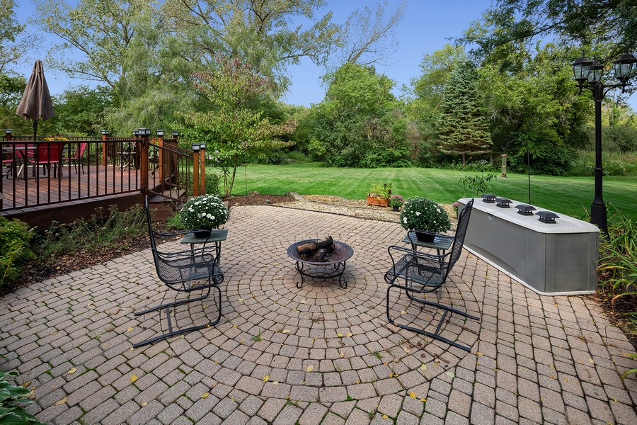 Real Estate Photography - 7350 Great Hill Rd, Crystal Lake, IL, 60012 - Patio