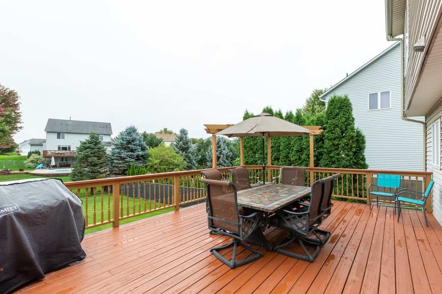 Real Estate Photography - 7273 Jordon Ave S, Cottage Grove, MN, 55016 - Deck