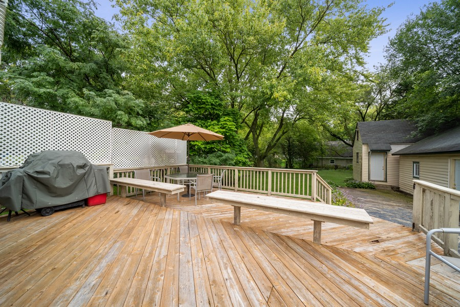Real Estate Photography - 1014 Clay St, Woodstock, IL, 60098 - Deck