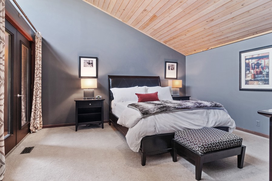 Real Estate Photography - 3 Hathaway Crescent, Sugar Grove, IL, 60554 - Master Bedroom