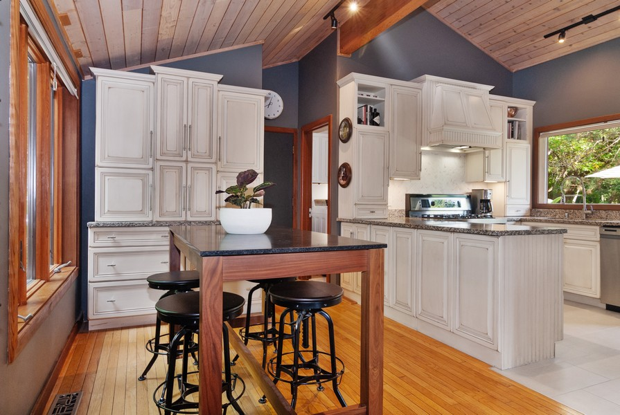 Real Estate Photography - 3 Hathaway Crescent, Sugar Grove, IL, 60554 - Kitchen / Breakfast Room